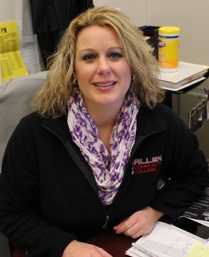 Christy Cutshaw teaches computer, graphic design and other classes at Allen.