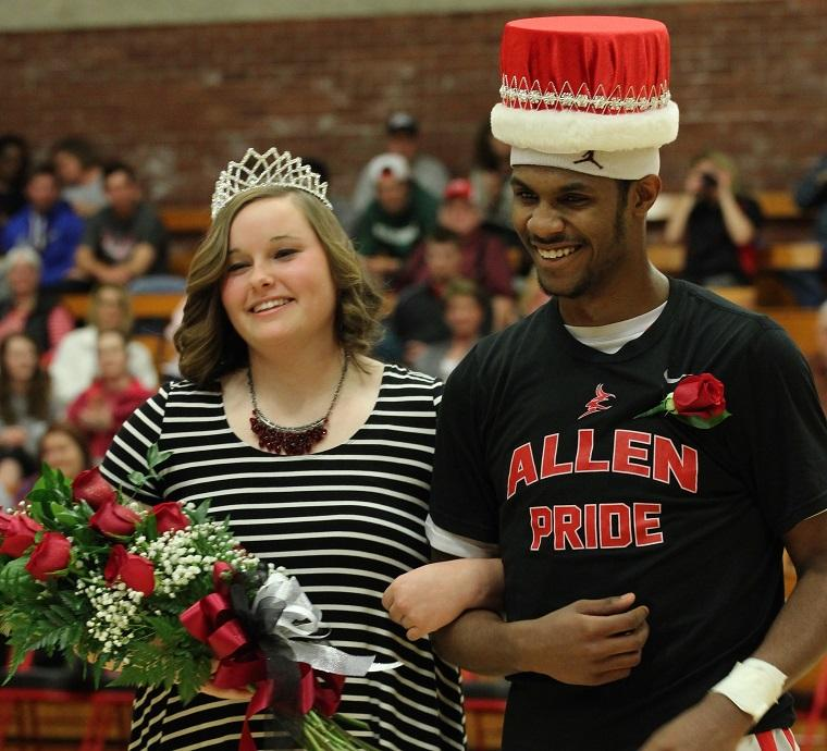 Ashley+Womack+and+Jermaine+Long+are+Allen%27s+2016+Homecoming+royalty.