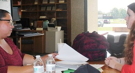 Shamika Anderson and McKenzie Kueker spend the afternoon studying in the Allen Library.