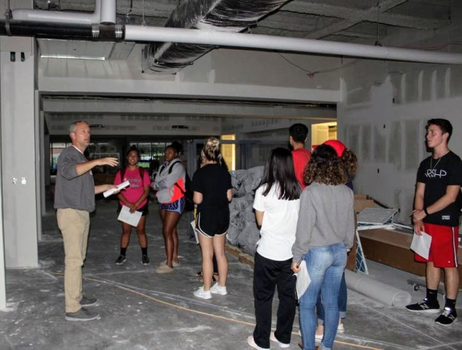Director+of+Student+Life+and+Housing+Ryan+Bilderback+gives+members+of+Student+Senate+a+tour+of+the+Student+Center+construction+during+their+monthly+meeting.+