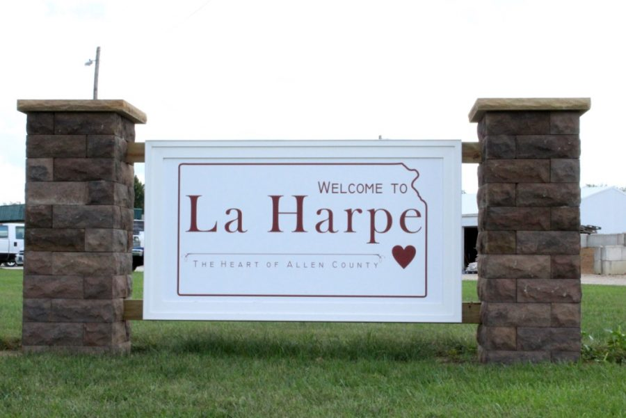 Thrive+Allen+County+was+instrumental+in+securing+this+new+sign+for+La+Harpe.+If+any+Allen+students+are+interested+in+volunteering+LaHarpe+is+10+minutes+away+with+many+volunteer+opportunities.