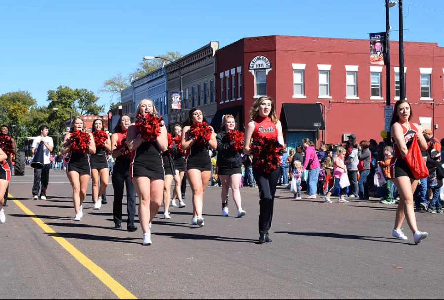 Allen Community College cheer and dance teams march in the Farm City Days parade every year. Here, the 2017-18 team shows off their spirit to the community!