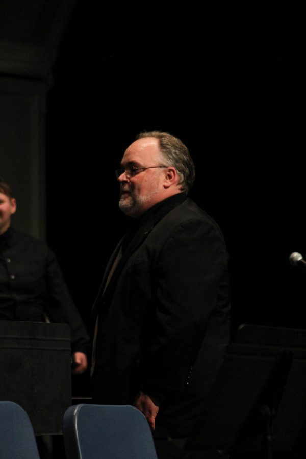 The Neosho County Community College Choir was directed by Alan Murray.
